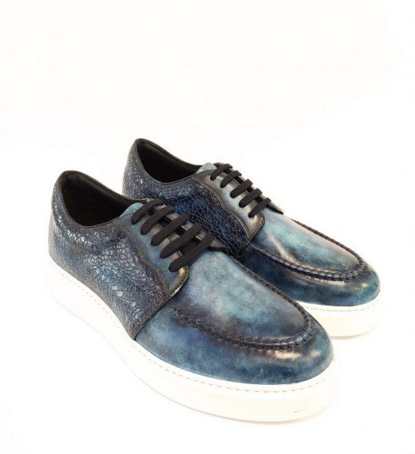 Urus Sneakers